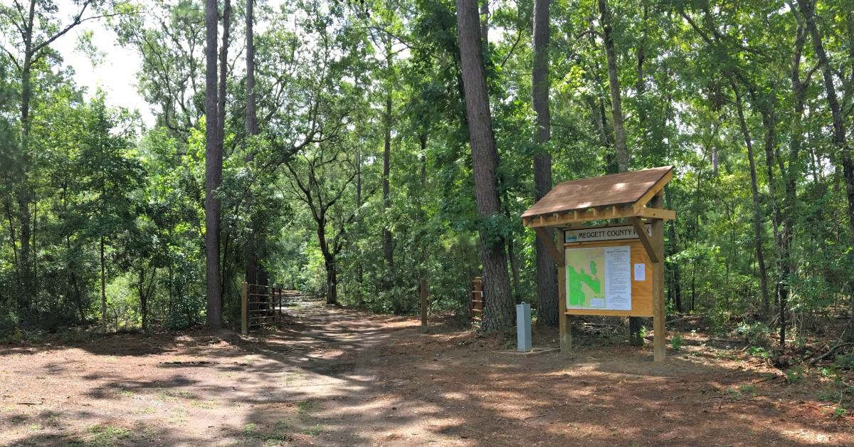 Image of the trailhead Meggett County Park